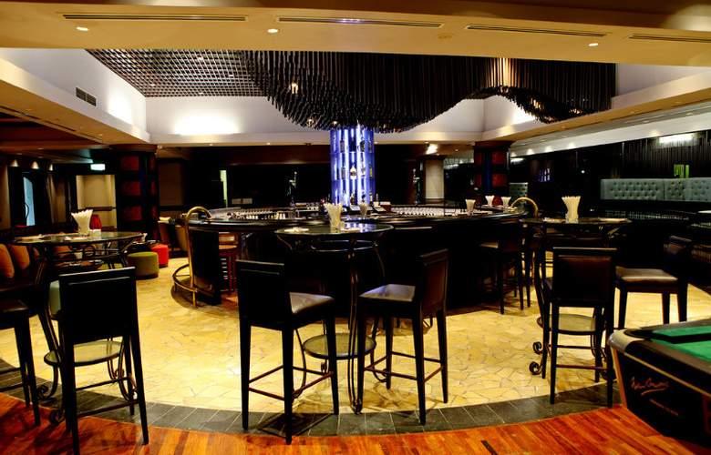 Sheraton Hanoi Hotel - Bar - 49