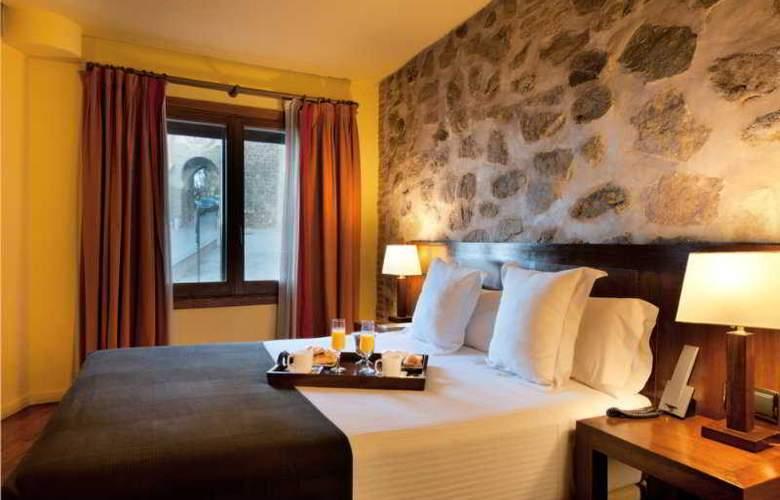 Abad Toledo - Room - 4