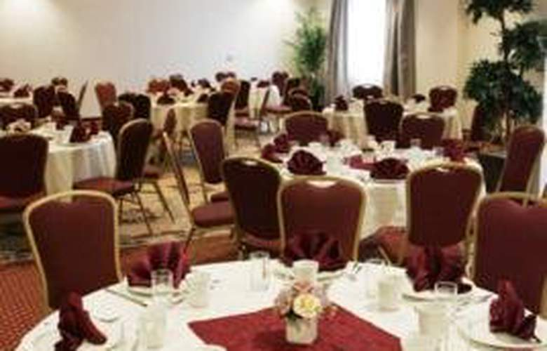 Hampton Inn Toronto Airport Corporate Centre - Restaurant - 6