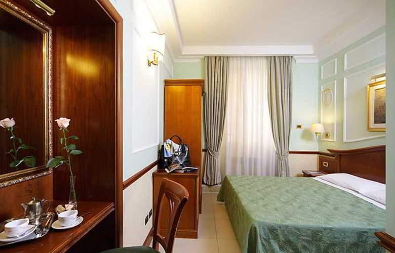 Hiberia Hotel - Room - 8