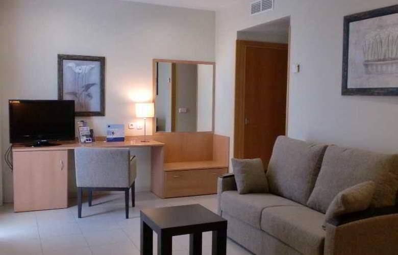 Hotel y Apartamentos (3LL) Lodomar Spa & Talasoterapia - Room - 3