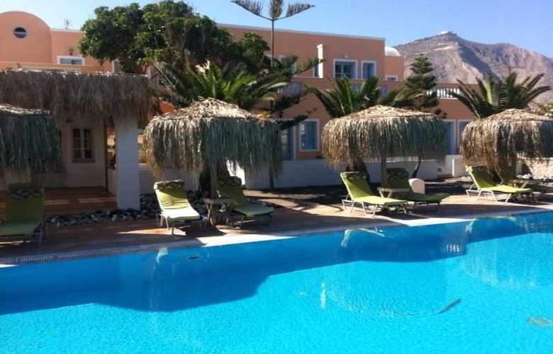 Jojo Beach Hotel & Bar - Pool - 2