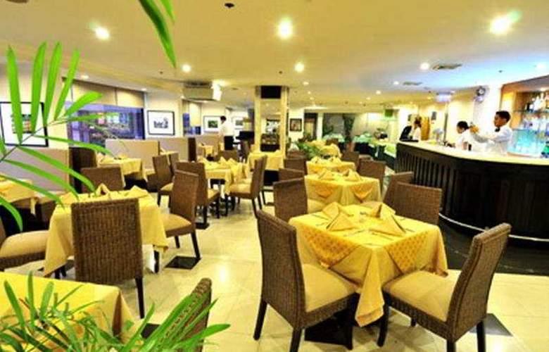 Pearl Garden - Restaurant - 7