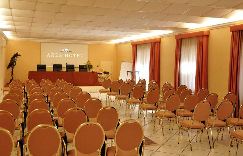 Ares Hotel - Conference - 4