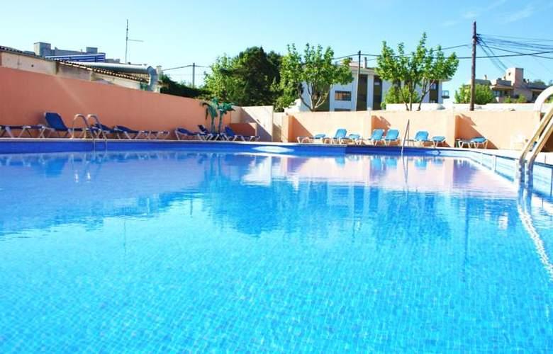 Alcina - Pool - 2