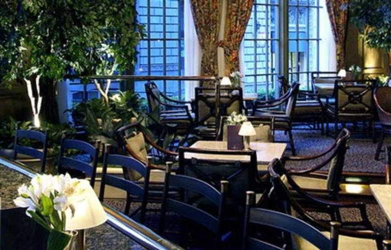 Mayflower Park Hotel - Bar - 4