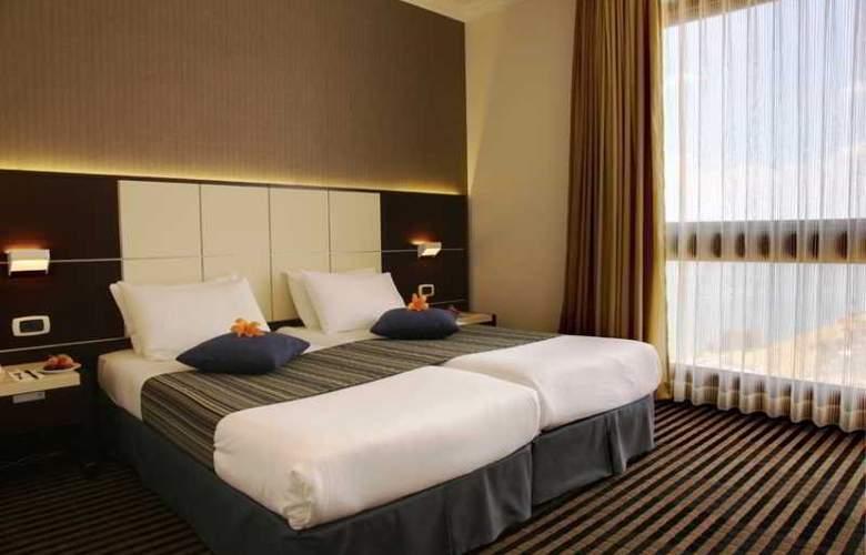 Golan Hotel Tiberias - Room - 0