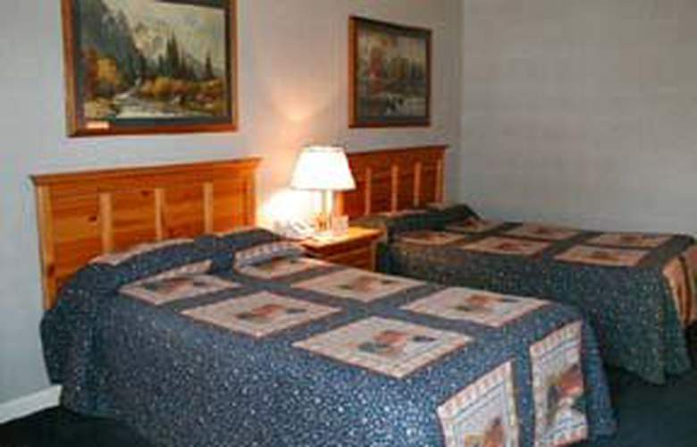 Quality Inn - Room - 2