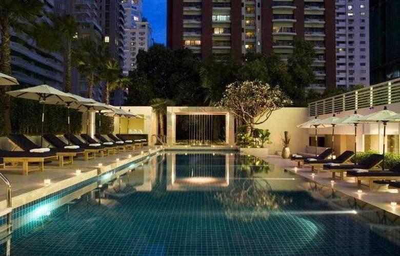Courtyard by Marriott Bangkok - Pool - 6