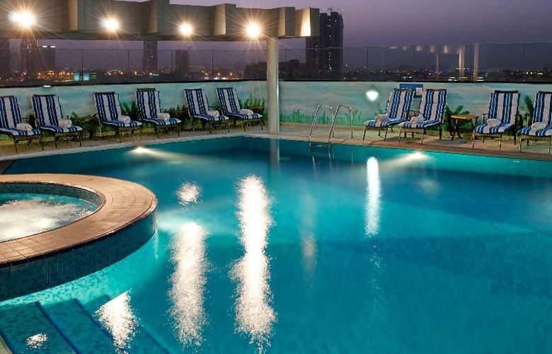 Carlton Al Barsha - Pool - 17