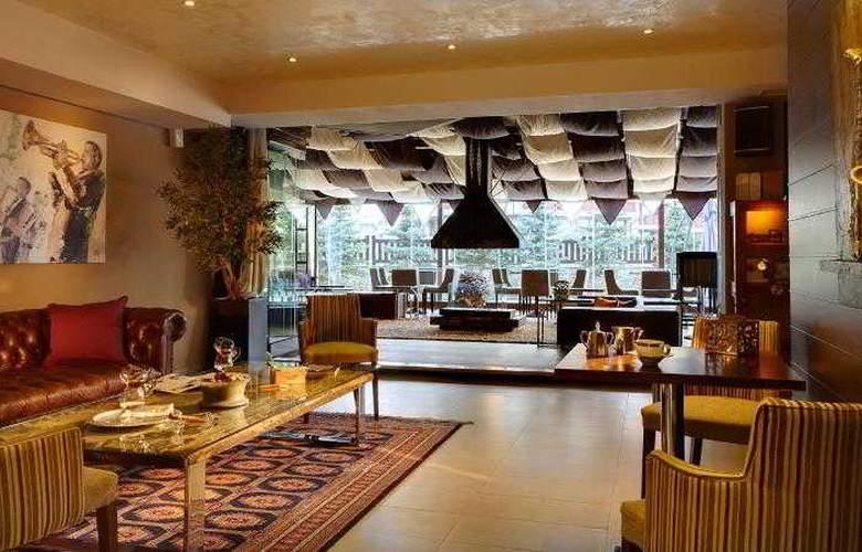 Premier Luxury Mountain Resort - Bar - 18
