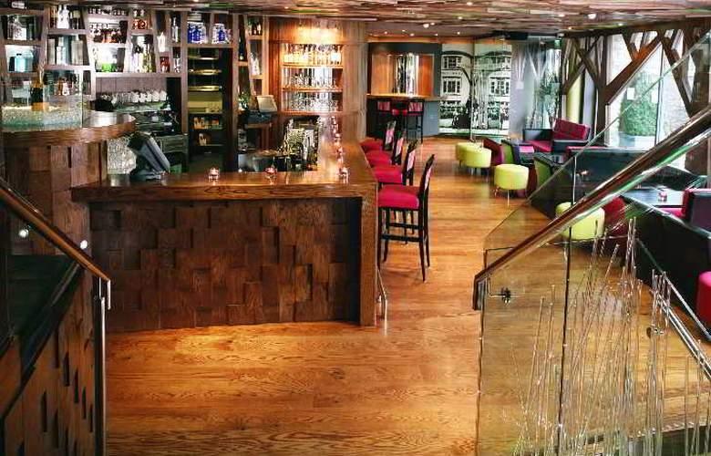 The Ross - Bar - 15