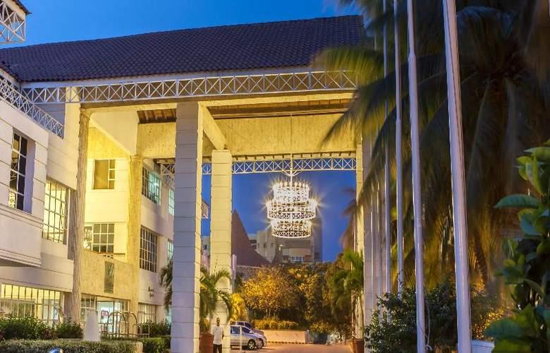 Las Americas Casa de Playa - Hotel - 10
