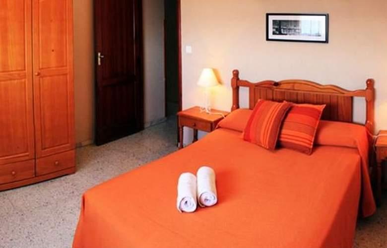Apartamentos Rocamar - Room - 5