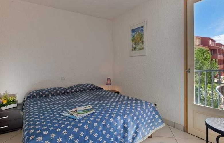 Malibu Village - Room - 6