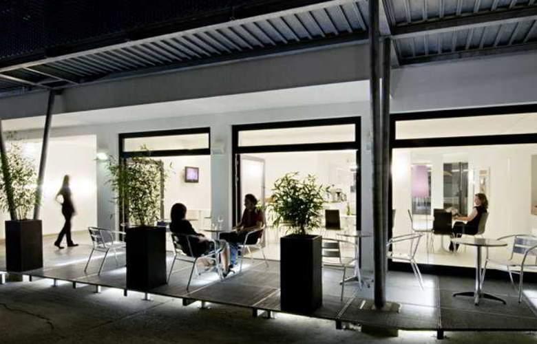 Stanys - Das Apartmenthotel - Terrace - 2