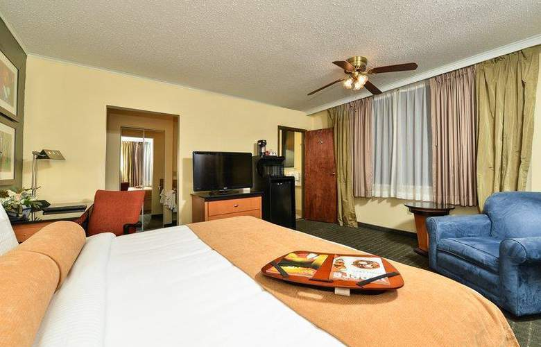 Best Western Plus St. Charles Inn - Hotel - 43