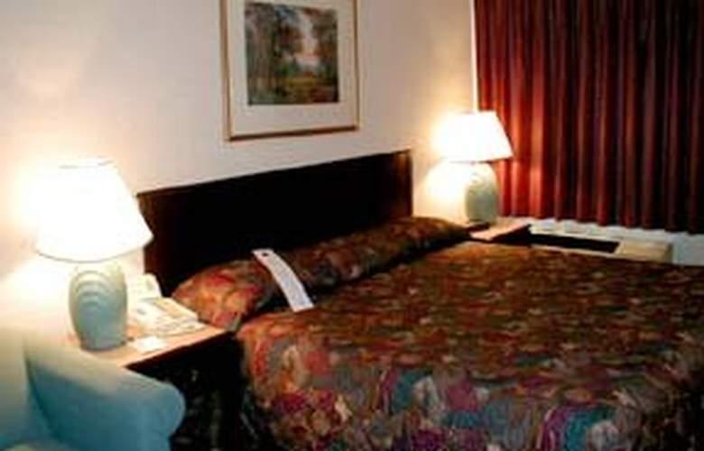 Comfort Inn (Utica) - Room - 1