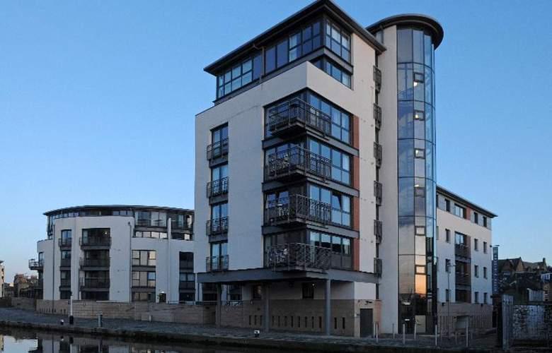 Fountain Court EQ2 Apartments - Hotel - 0