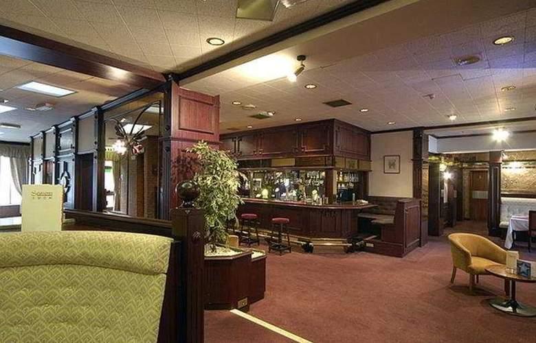 ALLESLEY HOTEL - Bar - 4