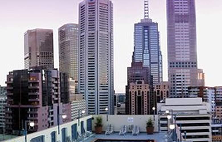 Grand Chancellor Melbourne - Pool - 4