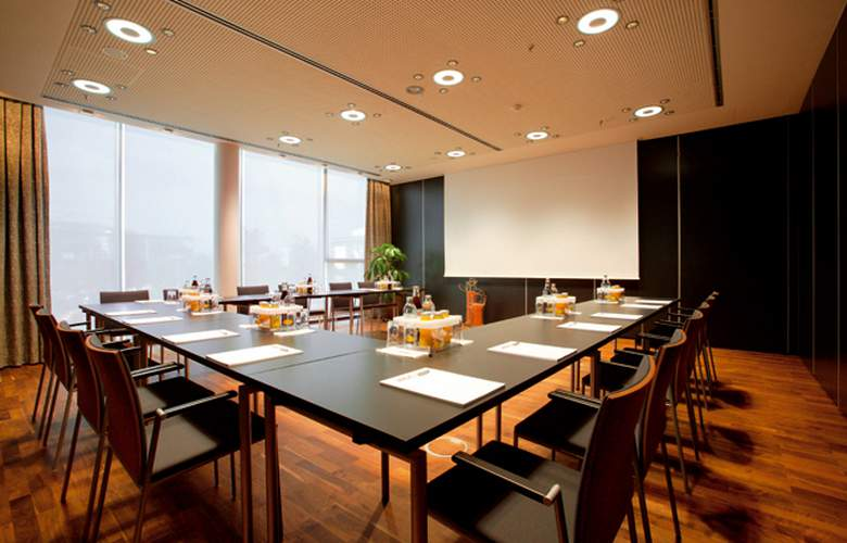 Four Points by Sheraton Panoramahaus Dornbirn - Conference - 4