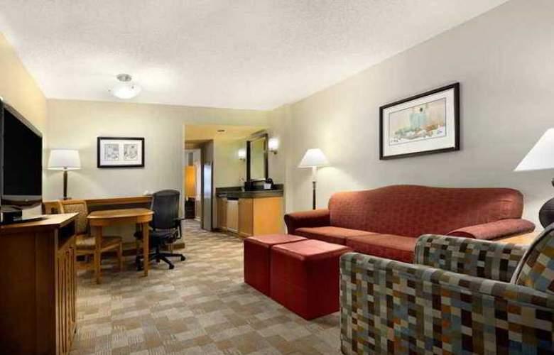 Embassy Suites San Rafael Marin County - Hotel - 8