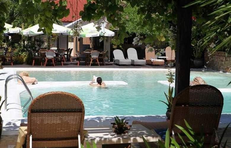 Le Soleil de Boracay - Pool - 15