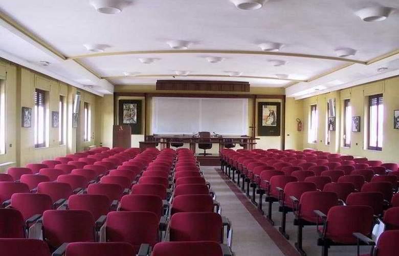 La Casa del Pellegrino - Conference - 8