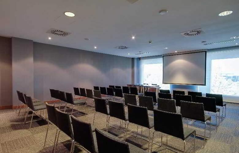 Rafaelhoteles Madrid Norte - Conference - 43