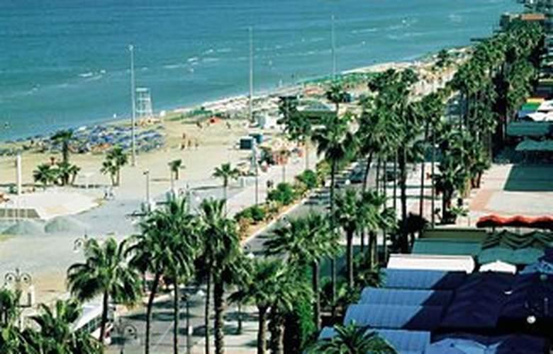 Sun Hall - Beach - 2