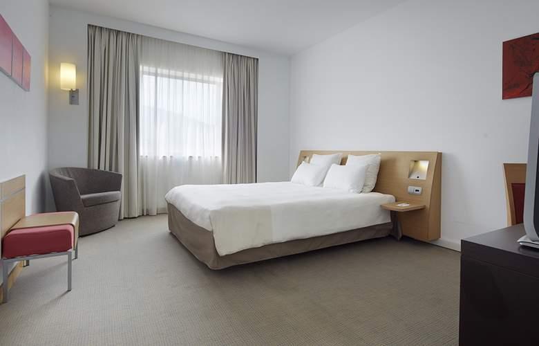 Puerta De Bilbao - Room - 13