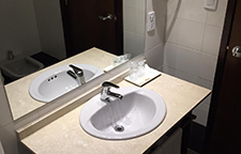 Crystal Tower Hotel - Room - 3