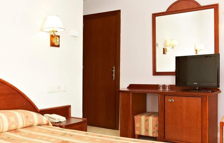 Universal Hotel Aquamarin - Room - 2