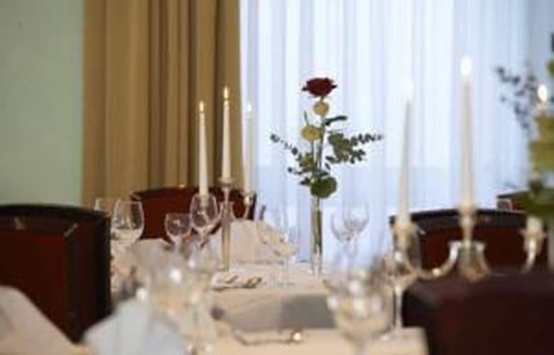 Steigenberger Turinger Hof - Restaurant - 21