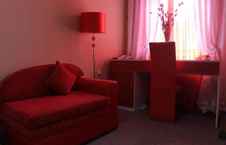 Diplomat Hotel - Room - 28