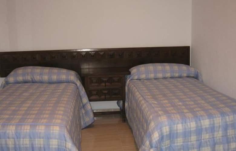 Apartamentos Hesperia, Flandria y Alfonso I - Room - 11