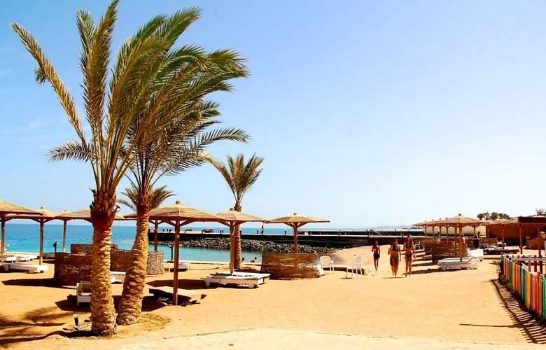 Palm Beach Resort - Beach - 4