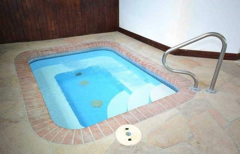Best Western Teal Lake Inn - Hotel - 25