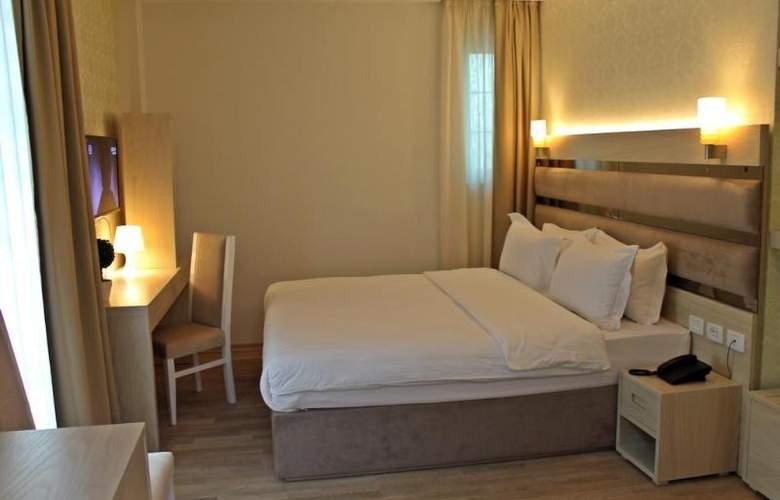 Capital - Room - 3