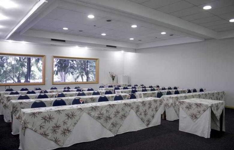 Augustus Plaza Inn - Conference - 6