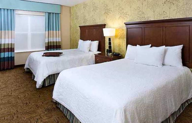 Hampton Inn & Suites Exeter - Hotel - 1