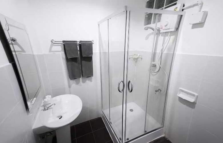 Fairtex Sport Club & Hotel - Room - 9
