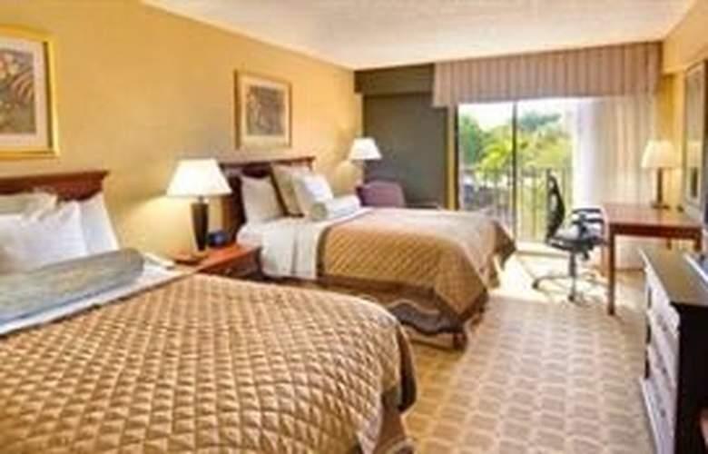 Wyndham Garden Hotel - Room - 4