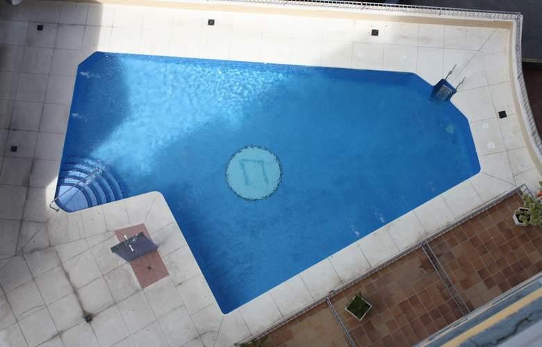 Natali - Pool - 4