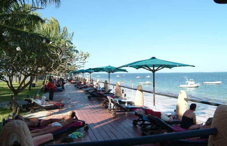Bamburi Beach Hotel - Terrace - 8