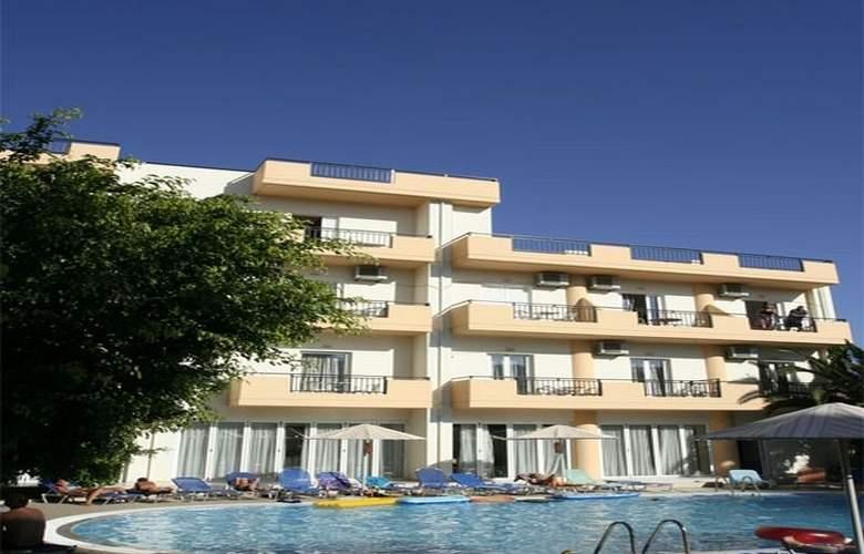 Castro Hotel - Pool - 4