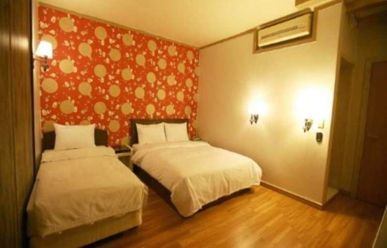 Boom Tourist Hotel - Room - 6