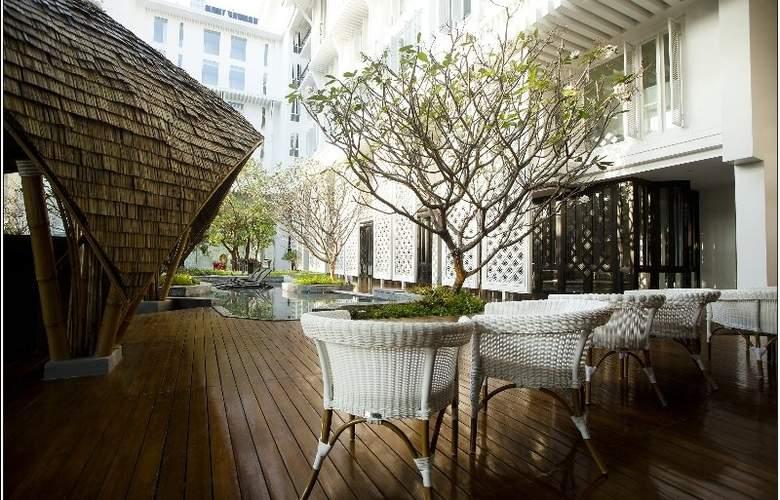 Hua Chang Heritage Hotel Bangkok - Terrace - 4