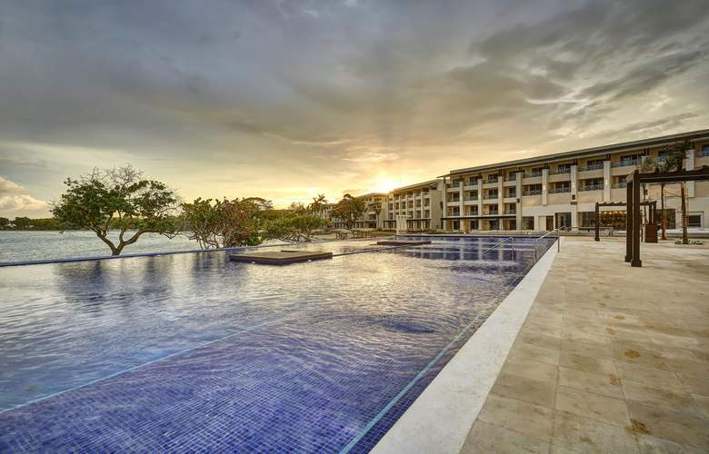 Royalton Negril Resort & Spa - Pool - 3